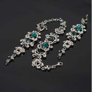 Набор браслет и серьги с зелеными кристаллами