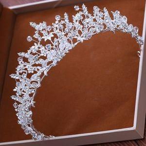 Корона ручной работы с кристаллами Swarovski арт.AR0860